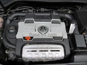 VW Golf TSI крышка мотора