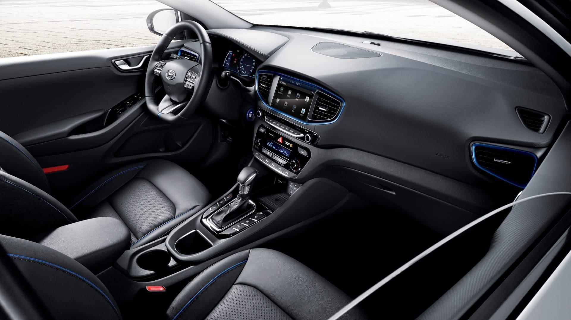 IONIQ-A-Leap-Forward-for-Hybrid-Vehicles_interior