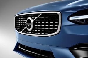 решетка Volvo R-Design