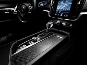 новигатор Volvo R-Design