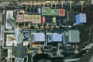 предохранители Nissan X-Trail T31