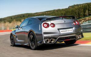 Nissan GT-R авто