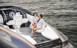 внутри Lexus Sport Yacht