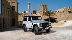 Новый Land Rover Defender в ногу со временем